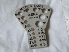 VINTAGE AERO KNITTING NEEDLE GAUGE (PLASTIC)