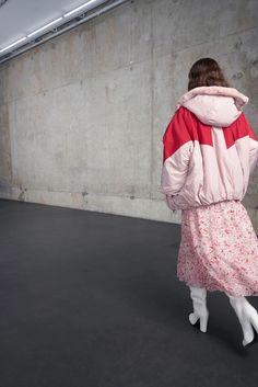 https://www.vogue.com/fashion-shows/pre-fall-2018/giamba/slideshow/collection#17