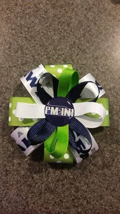 Hey, I found this really awesome Etsy listing at https://www.etsy.com/listing/218548173/seattle-seahawks-green-and-white-hairbow