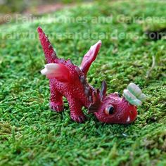 The Miniature Baby Red Dragon with Tiny Green Butterfly on His Nose is an adorable pet for your fairy garden or fine collectible. Container Herb Garden, Container Gardening Vegetables, Baby Dragon, Red Dragon, Dragon Garden, Dragon Miniatures, Create A Fairy, Easy Garden, Garden Ideas