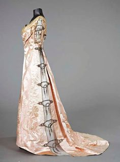 1900 worth gown