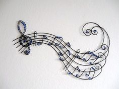 drátkování kočka - Hledat Googlem #wirejewelry Wire Crafts, Metal Crafts, Diy And Crafts, Barbed Wire Art, Stylo 3d, Wire Wall Art, Wire Ornaments, Wire Flowers, Copper Art