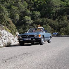 Blue R107 in action #mercedes #mercedesbenz #mercedesclassic #mercedesbenzclassic #mercedesbenzclassics #mercedesbenzpics #mercedeslove #classiccar #classiccars #classy #w113 #r107 #instacar #car #cars #amazingcars247 #france #visitfrance #visitprovence #