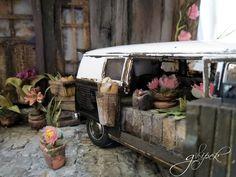 miniature /diorama/car/volkswagen bus 1962/handmade/paper flowers/paper/gulipek