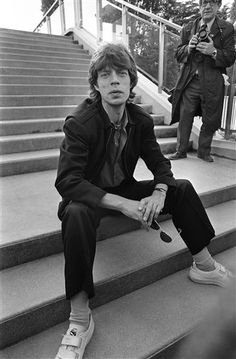 Mick Jagger Rolling Stones, Keith Richards Guitars, Rollin Stones, Moves Like Jagger, Ronnie Wood, Stone World, Charlie Watts, Rhythm And Blues, People