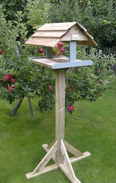 Harrogate Bird Tables - Bird Feeders - Bird seed