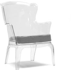 Baxton Studio Tasha Clear Polycarbonate Modern Accent Chair is made of injection-molded polycarbonate, which means this furniture piece can be adapted to both playful outdoor arrangements and stylish interiors. Contemporary Dining Chairs, Modern Chairs, Contemporary Design, Modern Design, Unique Furniture, Home Furniture, Furniture Chairs, Acrylic Furniture, Studio Furniture