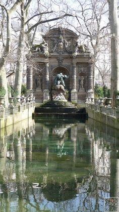 11. #FONTAINDU MEDICIS, #JARDIN DU LUXEMBOURG - 40 #Sights of Paris to #Remind You of Its #Beauty ... → #Travel #Bridge