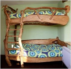 Install a Log Bed in Your Kids Room as If It is a Part of a Fairy Cabin