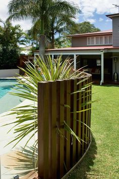 3 Abundant Tips: Terrace Fence Design small front yard fence.Fence And Gates Farm front yard fence stucco.Concrete Fence With Iron. Backyard Layout, Backyard Pergola, Pergola Roof, Pergola Kits, Fence Around Pool, Front Yard Fence, Low Fence, Easy Fence, Brick Fence