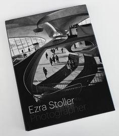 Martes de Libro: Ezra Stoller, padre de la fotografía arquitectónica moderna La arquitectura de hoy en día está rodeada de cientos, miles de imágenes, esto no siempre fue así.  http://www.podiomx.com/2015/07/ezra-stoller-padre-de-la-fotografia.html