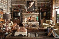 Design log cabin living room rustic with wood coffee table storage coffee table rustic decor Log Cabin Living, Log Cabin Homes, Barn Homes, Log Cabins, Cabin Interior Design, Interior Ideas, Home Design Living Room, Living Rooms, Living Area
