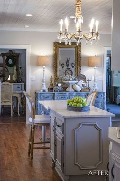 Is this not the most gorgeous kitchen you've ever seen?! I just can't believe this DIY remodel...they did it ALL themselves--no contractor!