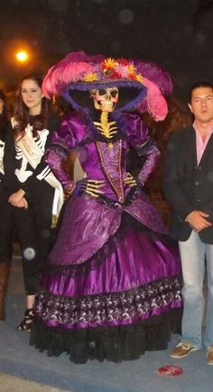 caracter disain, costume, and modeling shot, Braulio Bautista . Halloween 2018, Halloween Cosplay, Fall Halloween, Halloween Party, Halloween Costumes, Day Of Dead Costume, Mexican Costume, Sugar Skull Costume, Living Dead Dolls