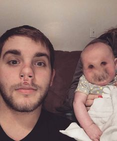 Face swap is fun but some turn out horrible. People use this app in weird and funny ways.So we compiled some hilarious faceswaps for you. Here are 25 Insanely Funny Face Swap Fails. Enjoy And Share! Scary Face Swap, Funny Face Swap, Epic Fail Pictures, Funny Pictures, Face Swap Fails, Face Swap App, Stupid Funny Memes, Hilarious, Face Switch