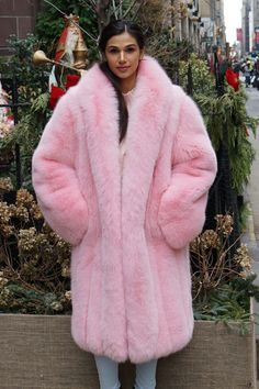 This coat will be the warmest fur you have ever owned. Fur Fashion, Pink Fashion, Fancy Robes, Fur Coat Outfit, Sable Coat, Pink Fox, Crazy Outfits, Teddy Coat, Fox Fur Coat