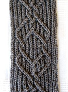 Free pattern on ravelry - Great design - Celtish Scarf by Joshua Carlson