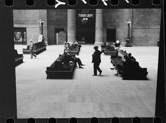Union Station Chicago - 1940 Old Train Station, Train Stations, Union Station Chicago, Chicago River, Old Pictures, Past, History, Locomotive, City
