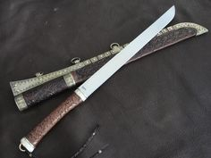 """""""Viveka's War Knife"""" - a large viking, baltic style, seax. Blade is . Cool Knives, Knives And Tools, Knives And Swords, Medieval Weapons, Swords And Daggers, Arm Armor, Fantasy Weapons, Knife Making, Blacksmithing"""