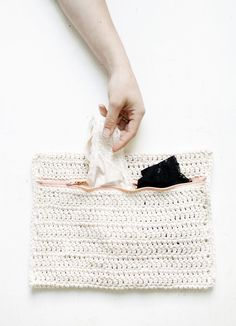 DIY: crochet delicates bag