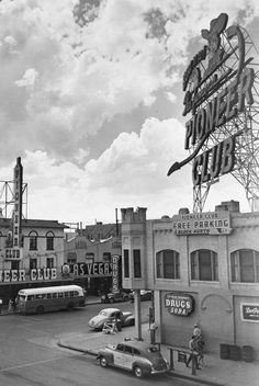 Vintage Las Vegas Photo -  Pioneer Club Fremont Street, c.1942-1948