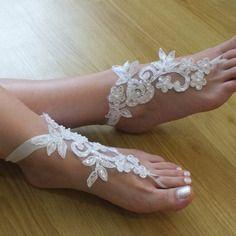 Perles blanches mariage de plage sandales aux pieds nus