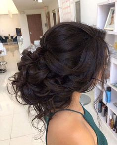 18 Amazing Updo Hairstyles hair updos Which Trending Haircut Should You Try Next? Quince Hairstyles, Evening Hairstyles, Fancy Hairstyles, Bride Hairstyles, Amazing Hairstyles, Spring Hairstyles, Hairstyles For Weddings, Updos Hairstyle, Hairstyle Tutorials