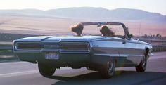 Thelma & Louise (Ridley Scott, 1991): Ford Thunderbird convertible 1966