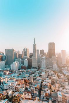 San Francisco is an amazing Californian city to explore Not just fog and unpredictable weather the city has an epic mix of the best things to do in San Francisco that are dotted all across City Aesthetic, Travel Aesthetic, San Francisco Travel, San Francisco Skyline, Usa San Francisco, San Francisco California, San Francisco Wallpaper, San Myshuno, Places To Travel