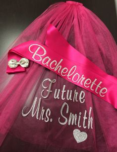 Gorgeous bachelorette veil and sash customized in your choice of glitter color (heart is optional). This set includes ONE (1) Veil and ONE