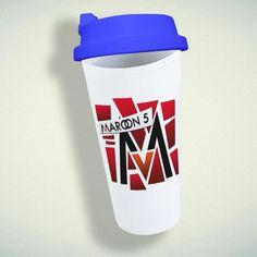 Maroon 5 Logo Double Wall Plastic Mug – giftmug Eco Friendly Cups, 5 Logo, Plastic Mugs, Maroon 5, Gifts For Family, Wall Design, Water Bottle, Tableware, Dinnerware