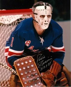 Eddie Giacomin- New York Rangers Goaltender Rangers Hockey, Ice Hockey Teams, Hockey Goalie, Hockey Players, Hockey Helmet, Hockey Stuff, Hockey Highlights, Hockey Pictures, Goalie Mask