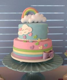 Torta decorada con lluvia de corazones Baby Birthday Cakes, Rainbow Birthday Party, Cloud Party, Torta Baby Shower, Cloud Cake, Party Decoration, Novelty Cakes, Girl Cakes, Themed Cakes
