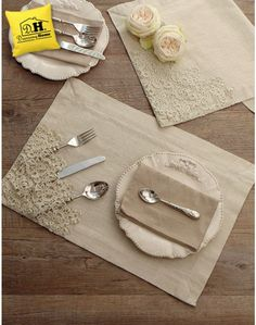 Tovaglietta americana Shabby Chic Armonie di Pizzo Collection Colore Avorio Angelica Home & Country - H Hhjjjjj - Welcome to the World of Decor! Burlap Crafts, Fabric Crafts, Sewing Crafts, Diy And Crafts, Sewing Projects, Deco Table Noel, Cutlery Holder, Crochet Kitchen, Napkin Folding