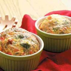 Quiche Cups - Made these in cupcake pan, 15 mins at 400 (10 min prep time) yummy quick breakfast. Perfect for potluck brunch. (Yum Factor 4 of 5) **mess factor...pan was a little hard to clean