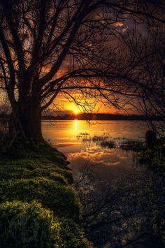 Pagan - Viking — wowtastic-nature: 💙 lac de beaulieu on by. Beautiful Sunset, Beautiful Places, Beautiful Pictures, Beautiful Guys, Nature Images, Nature Pictures, Landscape Photography, Nature Photography, Photography Tips