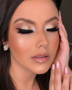 I'm in love with this makeup ! Cute Makeup, Perfect Makeup, Simple Makeup, Makeup Looks, Makeup Crafts, Makeup Step By Step, Makeup Guide, Christmas Makeup, Creative Makeup