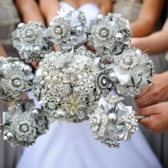 Absolutely gorgeous & personal DIY handmade brooch bouquets!
