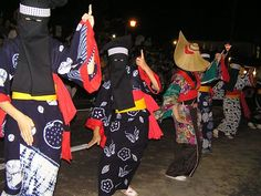 """Bon-dance Nishimonai Akita pref. one of dancers with mask. it is black in color, the color that symbolizes the revival of the dead. """"秋田県の南、羽後町に伝わる700年の歴史を持つ西馬音内盆踊り。黒頭巾を被るのは「亡者踊り」の系統です。"""""""