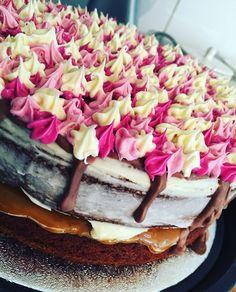 Chocolate and Vanilla Cake 💕👌🏼