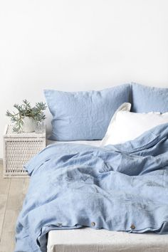 EU Sky Blue Stone Washed Linen Bed Set
