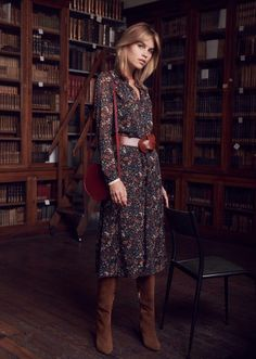 Love Sezane for aesthetic! This dress is versatile enough for work, a date, or just a casual fall day out with friends! Mode Outfits, Dress Outfits, Casual Outfits, Fashion Outfits, Ladies Fashion, Womens Fashion, Fall Winter Outfits, Autumn Winter Fashion, Autumn Look