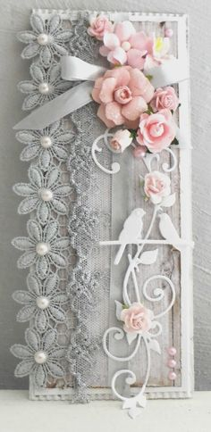 Beautiful Tag created by Claudine / Le Puits d'amour. Shabby Chic Happy Birthday, Happy Birthday Cards, Shabby Chic Paper, Shabby Chic Cards, Scrapbook Patterns, Scrapbook Embellishments, Wedding Doorgift, Money Cards, Art N Craft