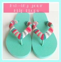 Fab~ify your flip flops: Free crochet pattern/tutorial Crochet Patterns For Beginners, Crochet Basics, Easy Crochet Patterns, Tutorial Crochet, Crochet Instructions, Crochet Flip Flops, Crochet Slippers, Modern Crochet, Love Crochet
