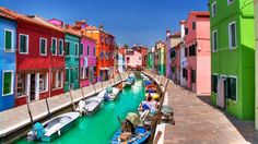 Best Colorful Burano in Italy [1600x900]