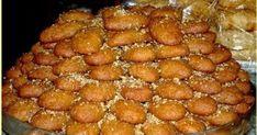 Από τα ωραιότερα Μελομακάρονα ..συνταγή από το τετράδιο της γιαγιάκας μου !!!! Δεν την αλλάζω με καμία χρόνια τώρα !!! - Η φωτογραφία μο... Greek Sweets, Greek Desserts, Desserts Menu, Sweets Recipes, Greek Recipes, Cookie Recipes, Christmas Biscuits, Cooking Cake, Christmas Sweets