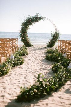 Perfect aisle and ceremony backdrop for a destination or beach wedding. #weddingidea #beachwedding #destinationwedding