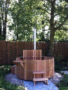 Hout gestookte hottub in Western Red Cedar. www.saunabarrel.be