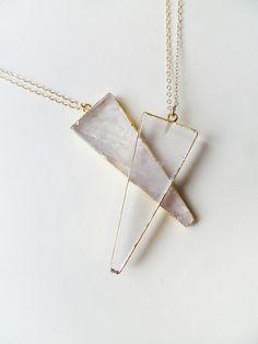 A P P A R I T I O N - natural gold edged crystal quartz triangle fang long…