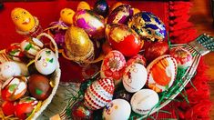 Najlepse Ukrasavanje Jaja 10 Razlicitih Ideja za Ukrasavanje Luna Krusev... Air Serbia, Easter Eggs, Christmas Bulbs, Holiday Decor, Home Decor, Decoration Home, Christmas Light Bulbs, Room Decor, Home Interior Design